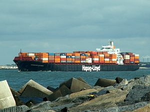Hannover Express p1, leaving Port of Rotterdam, Holland 10-Aug-2005.jpg