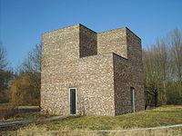 Heerich Turm Hombroich 2006.jpg