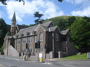 Link Top - Image: Holy Trinity Church Hall geograph.org.uk 884543