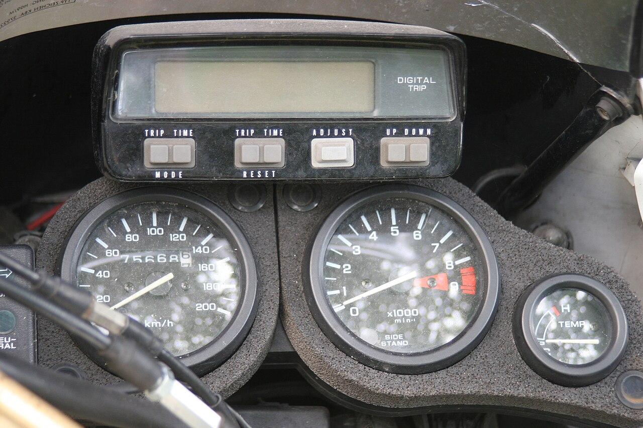 compteur digital moto