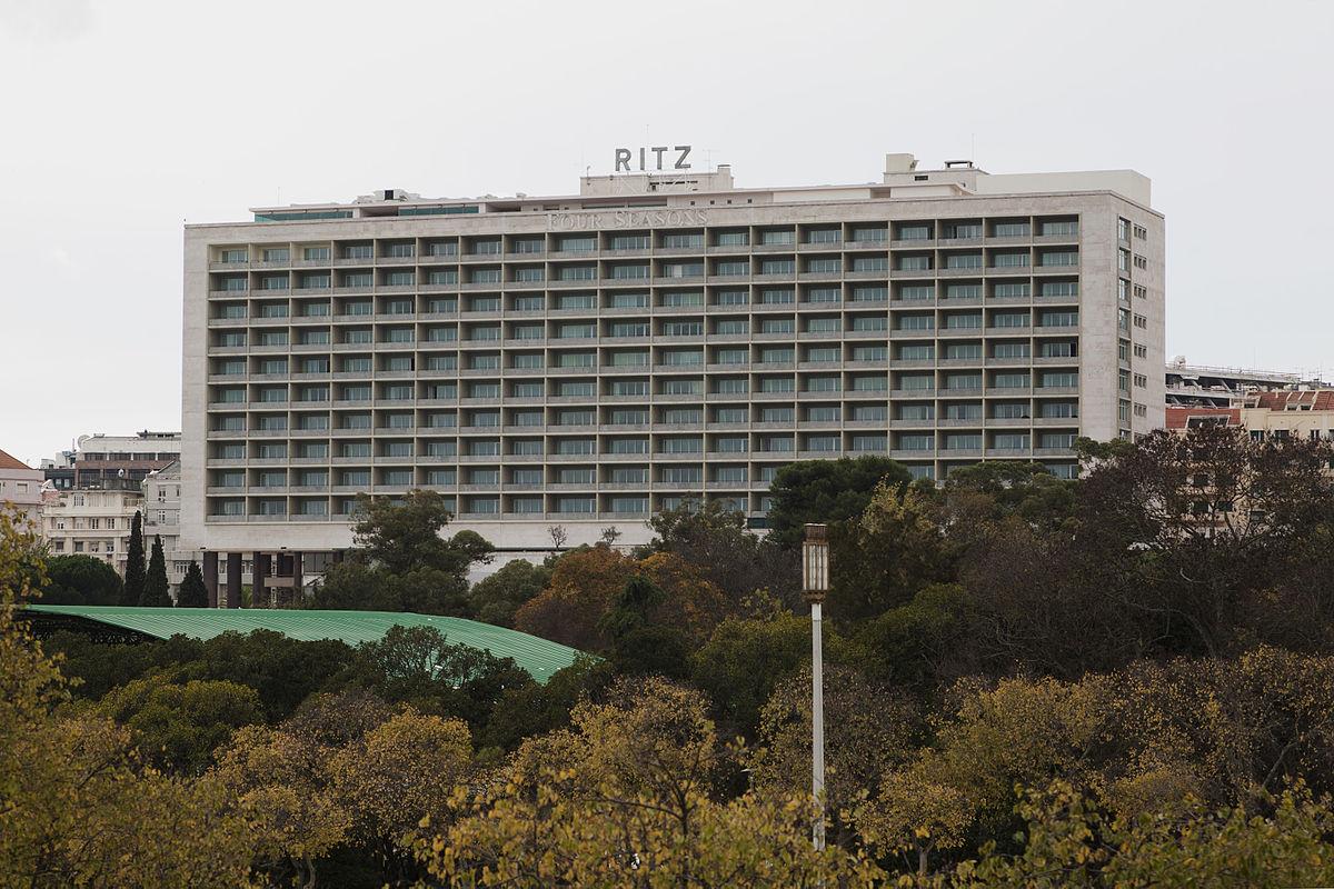 Hotel Ritz Lisboa 5529.jpg