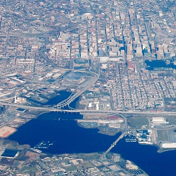 File:I-395-Downtown Baltimore.JPG