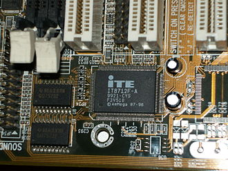 Super I/O - ITE Super I/O chip (IT8712F)