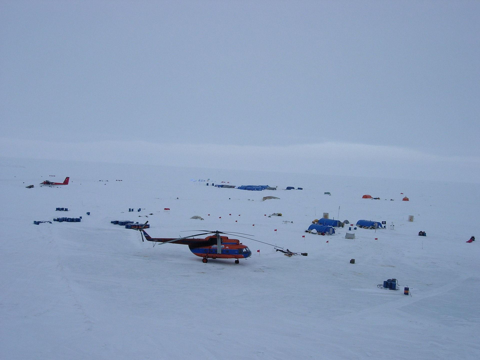 1920px Ice camp Barneo