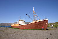 Iceland2008-WestFjords.old.ship.JPG