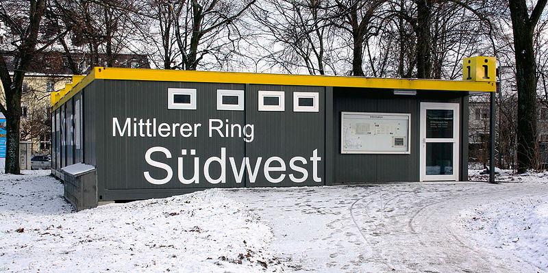 File:Info Container Projekt Südwest am Luise Kiesselbach-Platz.JPG