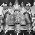 Interieur, het rugwerk van het orgel, met gesloten luiken - Goes - 20079455 - RCE.jpg