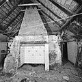 Interieur, kamer met schouw, tijdens restauratie - Oirschot - 20001935 - RCE.jpg