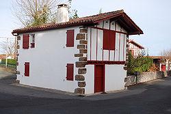Jatsu biquipedia a enciclopedia libre for Maisons errobi