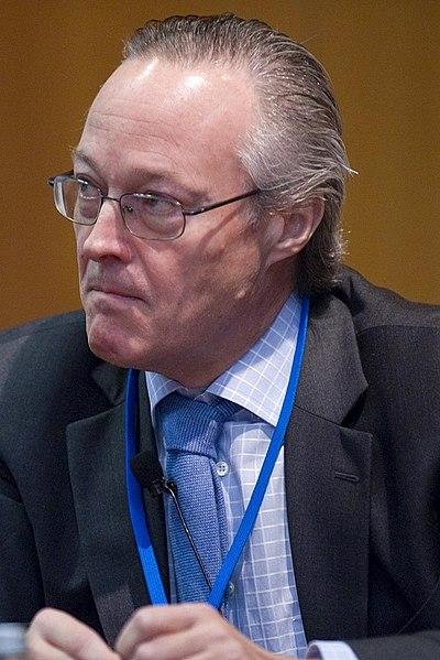 File:Josep Piqué en 2008 (retrato).jpg