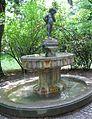 Joseph-Ruederer-Gedaechtnis-Brunnen Maximiliansanlagen Muenchen-5.jpg