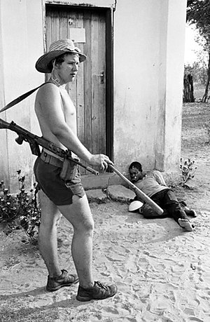 Selous Scouts - A Selous Scout interrogation. One of the photos that won a Pulitzer Prize in 1978.