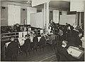Käsivarapiirustuksen opetustilanne, 1920-luku. Opettajat Oskar ja Edward Elenius. Taideteollisuuskeskuskoulun opetustilanteita.-TaiKV-07-015.jpg