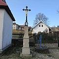 Kříž u kaple v Podivicích (Q67181241) 01.jpg