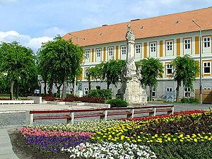 Kalocsa - Image: Kalocsa Szentháromság tér