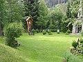 Kapelle im Klosterwald mit Heldenfriedhof 03.JPG