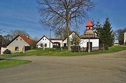 Kaple na návsi, Zlátenka, okres Pelhřimov (04).jpg