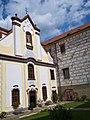 Komorní Hrádek - kaple.jpg