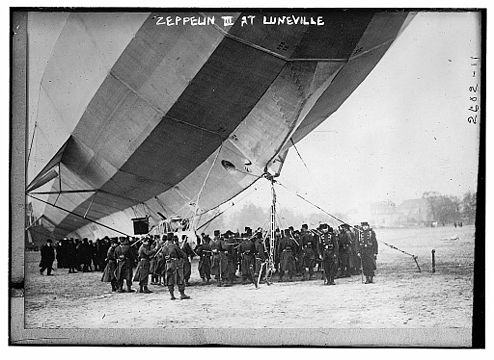 LZ 16 at Luneville in 1913.jpg