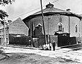 La Tour avant 1950 au coin des rues Monseigneur-Gauvreau et de la Baronne.jpg