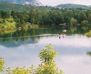 Lake Jennings - People are fishing at the lake