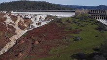 Файл:Lake Oroville Spillways February 12, 2017.webm
