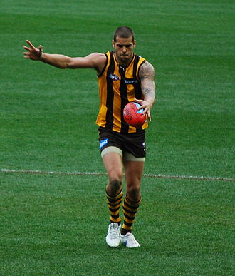 Lance Franklin - Franklin kicking for goal against Port Adelaide in 2011