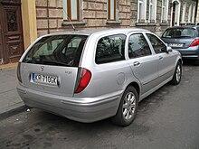 https://upload.wikimedia.org/wikipedia/commons/thumb/1/12/Lancia_Lybra_kombi_2%2C4_jtd_back.jpg/220px-Lancia_Lybra_kombi_2%2C4_jtd_back.jpg