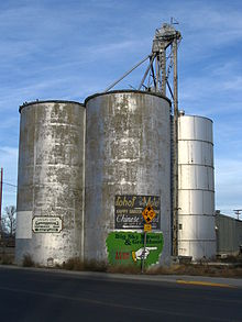 Laurel entrance silos.jpg
