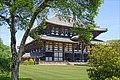 Le Daibutsu-den, la salle du Grand Bouddha (Nara, Japon) (29035425778).jpg