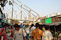 Le marché aux fleurs du Mulik Ghat (en fond, Howrah Bridge).jpg