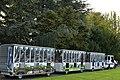 Le train touristique faisant le tour du domaine (24341887268).jpg