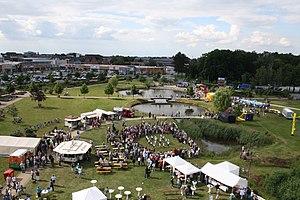 Lehrte - Image: Lehrte Stadtpark mit Fest 2012 06 10