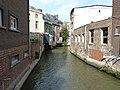 Leuven-Onze-Lieve-Vrouwstraat kruist rivier.JPG
