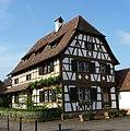 Liebevoll restauriertes Fachwerkhaus in der Ortsmitte - panoramio.jpg