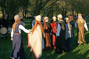 Music of Lithuania - A Lithuanian folklore band Kūlgrinda dancing to a folk song in Vilnius