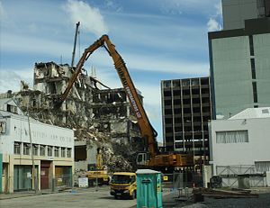 Twinkle Toes - Twinkle Toes' first Christchurch demolition in Liverpool Street in November 2011; note that the articulated arm is not extended