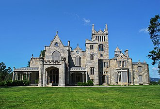 Lyndhurst (mansion) - The front facade of Lyndhurst