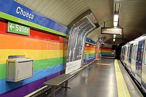 Madrid - Estación de Chueca (35254622833).jpg