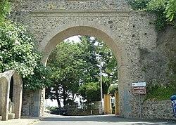 Maida calabria wikipedia arco di san antonio leading into the town of maida sciox Images