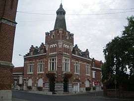 The town hall in Vieux-Berquin
