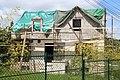 Maison en cours de rehaussement au croisement de l'avenue de la Gare et de l'avenue Moc-Souris à Saint-Rémy-lès-Chevreuse le 22 mai 2013 - 1.jpg
