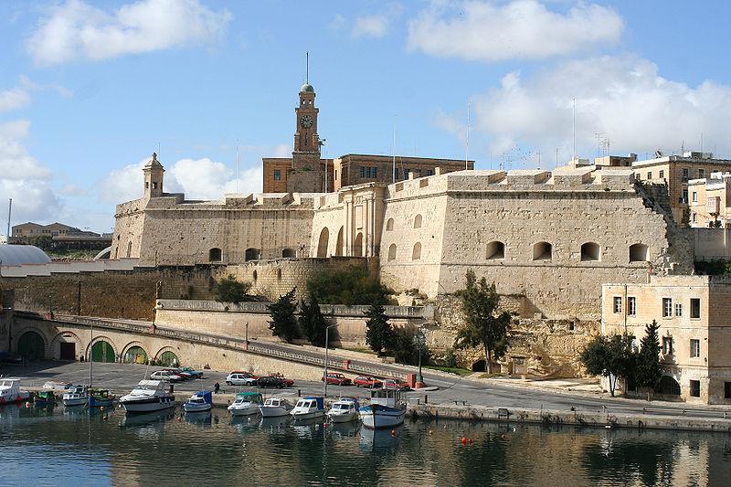 Malta-city-wall