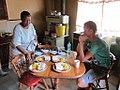 Mamabope tovert een ontbijtje op tafel (6353422001).jpg