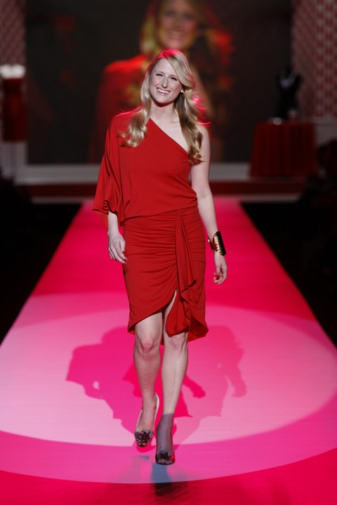 Mamie Gummer at Heart Truth 2010