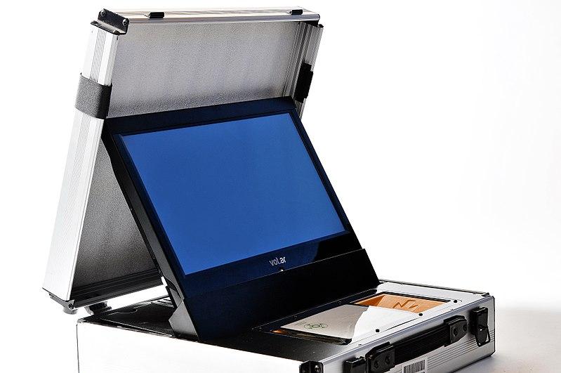 File:Maquina de vot.ar.JPG