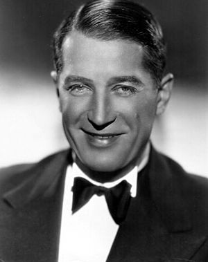 Maurice Chevalier - Image: Maurice Chevalier publicity
