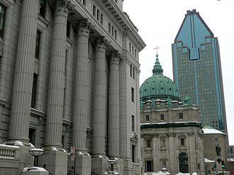 Metcalfe Street (Montreal) - Metcalfe Street and the Sun Life Building.