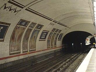 Liège (Paris Métro) - Image: Metro Liege NS 2 quais