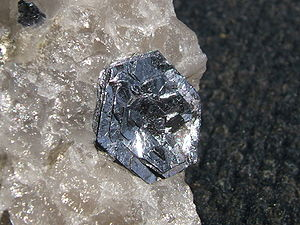 Molybdenum - Molybdenite on quartz